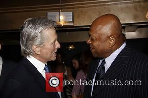 Michael Douglas and Charles Dutton