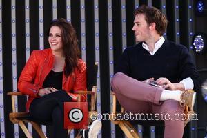 Kristen Stewart and Sam Claflin