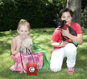 Emily Alyn Lind and Zach Callison Debbie Durkin's Celebrity Music Hospitality Lounge presented by Gibson Guitar to Benefit Music Saves...