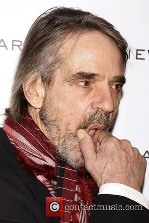 Jeremy Irons Chastises Politician Over Bankers' Bonuses