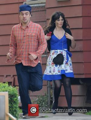 Zooey Deschanel Doesn't Feel Pressure To Be Skinny