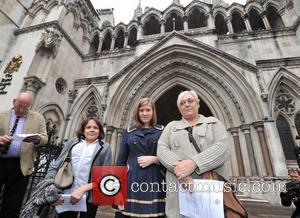 L-r, Solicitor Jocelyn Cockburn, Niki Smith, Susan Smith, Royal Courts, Justice, British and Iraq