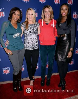 Holly Robinson Peete, Suzanne Johnson, Summer Sanders and Kiss