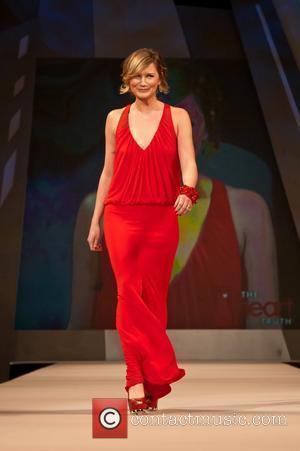 Jennifer Nettles The Heart Truth Red Dress Collection 2012 - Runway New York City, USA - 08.02.2012