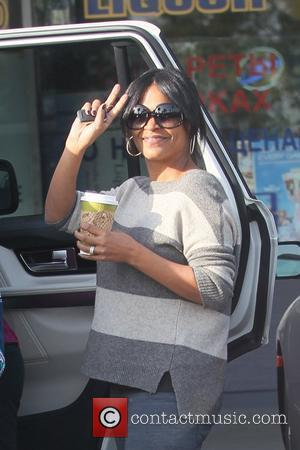 Nia Long returns to her car after shopping for groceries at Wholefoods  Los Angeles,