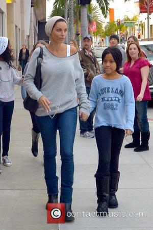 Nicole Murphy and her daughter are seen shopping on Christmas Eve Los Angeles, California - 24.12.12