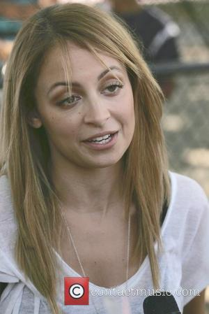 Nicole Richie Backs Volunteer Drive