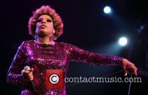 Macy Gray Overcomes Bronchitis For Massachusetts Show