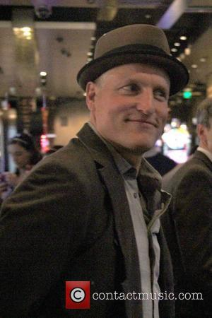 Woody Harrelson Gives Homeless Woman $600