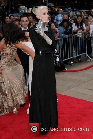 Daphne Guinness Sells Home After Bath Tub Drama