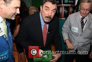 Tom Selleck Salutes Vietnam War Soldiers In Memorial Day Ceremony