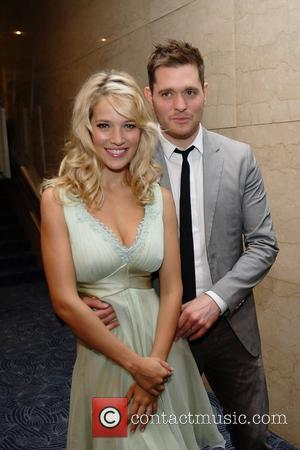 Sorry Ladies: Michael Buble's Wife Luisana Lopilato Is Pregnant