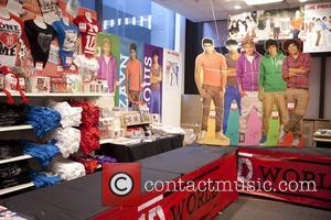 One Direction and World' Pop Up Store