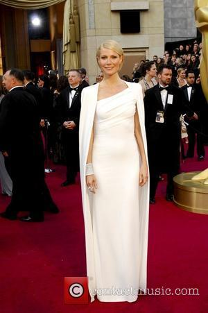 Oscars 2012: No Shock Tactics For Gwyneth Paltrow's Head-turning Gown