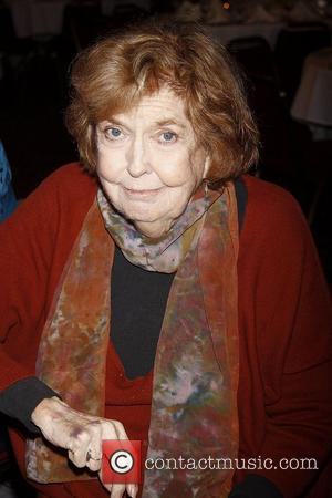 Stars Pay Tribute To Late Anne Meara