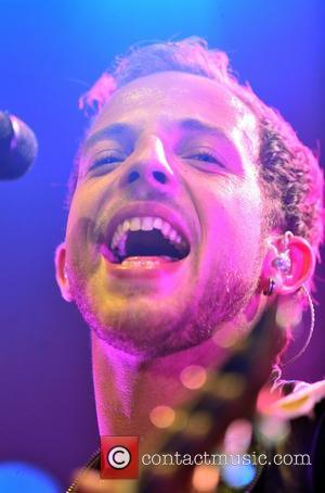James Morrison Performs For Young Cancer Patients