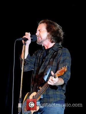 Eddie Vedder Joined The Sonics For Record Store Day Gig