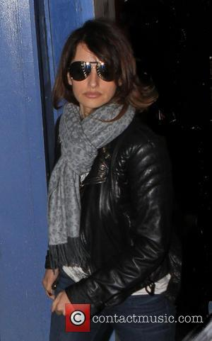 Penelope Cruz out shopping in Bond Street in central London London, England - 18.01.12