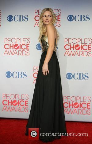 Elisha Cuthbert and People's Choice Awards