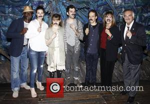 Taye Diggs, Idina Menzel, Celia Keenan-Bolger, Adam Chanler-Berat, Valerie Harper and Tony Lo Bianco  Celebrities visit the cast of...
