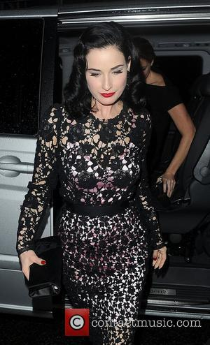 Dita Von Teese Pictures Photo Gallery Page 7 Contactmusiccom