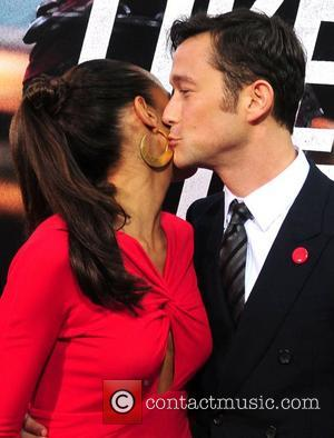 Dania Ramirez and Joseph Gordon-levitt