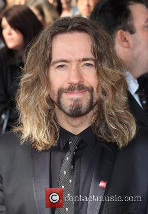 Justin Lee Collins Pushed Girlfriend Into Busy Traffic?