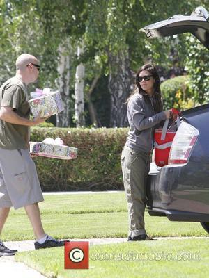 Rachel Bilson pays a visit to her mother's house on Mother's Day Los Angeles, California - 13.05.12
