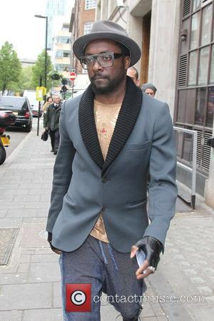 will.i.am and Fearne Cotton