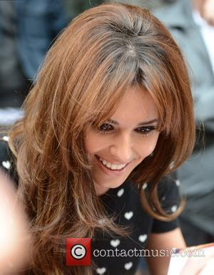 Cheryl Cole Refrains From Swearing On Twitter