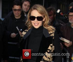 Kylie Minogue Considers Egg Donor In Baby Battle