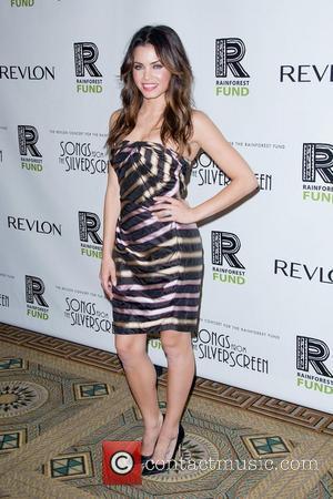 Jenna Dewan Performs Birthday Flash Mob Treat For Husband