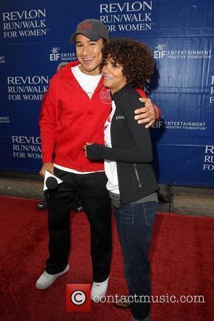 Mario Lopez and Halle Berry