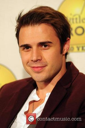 Kris Allen Undergoes Surgery After Car Crash