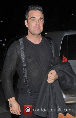Robbie Williams, Oxford Street and Grosvenor House Hotel