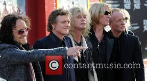 Def Leppard Star Joe Elliott Battling Ill Health