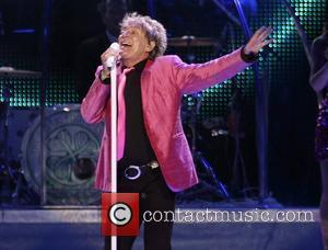 Rod Stewart Lines Up Las Vegas Return