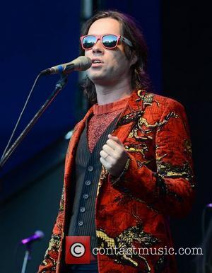 Rufus Wainwright Delays Honeymoon For Charity Gig