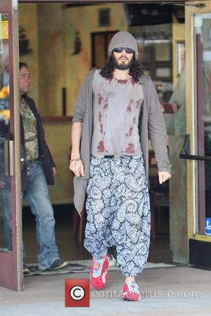 Russell Brand Treats Homeless Group To Breakfast