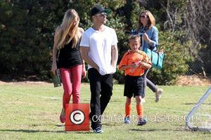 Paulina Slagter, Ryan Phillippe and Deacon Phillippe