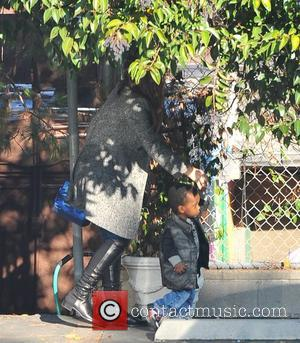 Sandra Bullock Drops Son At Pre-school, Denies Ryan Reynold Rumours