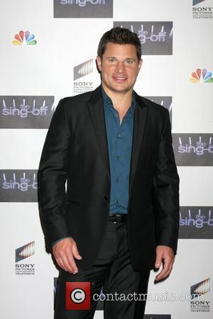 Nick Lachey Helps Break Guinness World Record For Charity