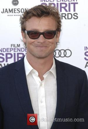 Simon Baker  27th Annual Independent Spirit Awards at Santa Monica Beach - Arrivals Los Angeles, California - 25.02.12