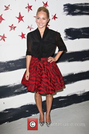 AnnaSophia Robb, The Carrie Diaries