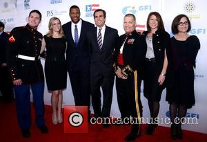 Michael Strahan and Bob Woodruff    6th Annual Stand Up For Heroes at the Beacon Theatre - Arrivals...