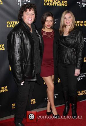Dermot Mulroney, R and Bridgett Casteen