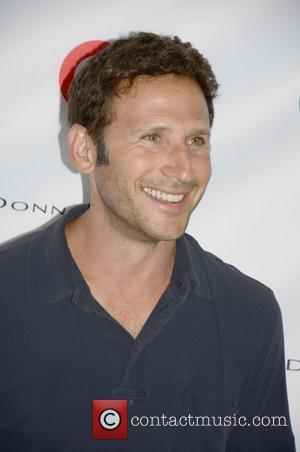 Mark Feuerstein  Kelly Ripa hosts Super Saturday 15 Garage Sale to raise money for the  Ovarian Cancer Research...