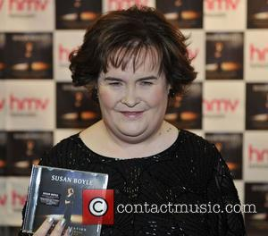 Susan Boyle promotes and signs copies of her new book 'Standing Ovation' at HMV  Edinburgh, Scotland - 22.11.12