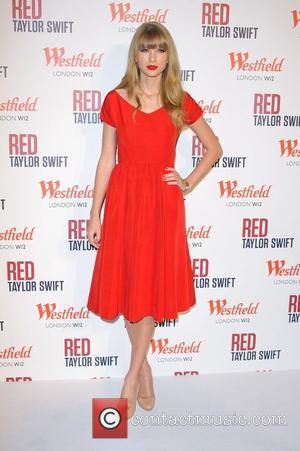 Taylor Swift and Westfield Shopping Centre