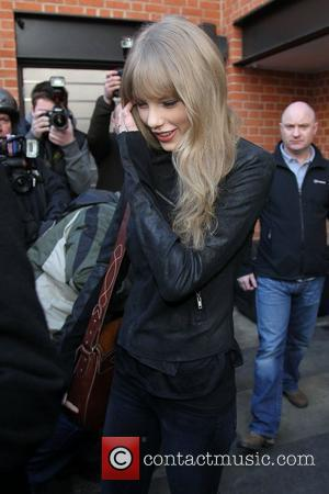 Antiques Store Shuts Its Doors For Taylor Swift